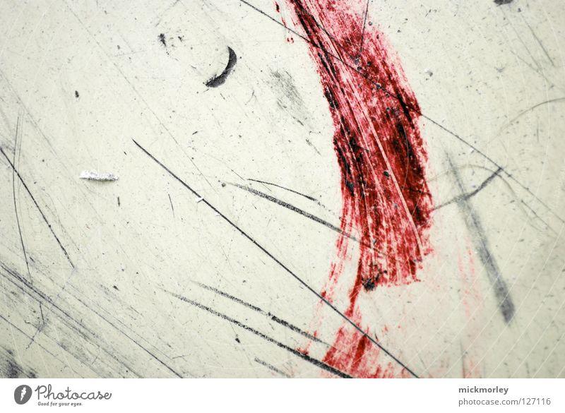 blutstrich rot Farbe Linie Bodenbelag streichen nah Gemälde zeichnen Blut Pinsel fein Zeichnung Radiergummi Zentimeter