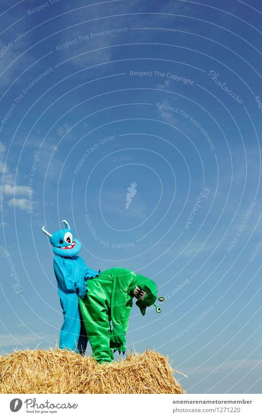 Warum liegt hier überhaupt Stroh? Sommer Freude Tier Kunst Freizeit & Hobby ästhetisch Sex Körperhaltung Gesäß anstrengen Kunstwerk Blauer Himmel Karnevalskostüm Sexualität geben Stroh