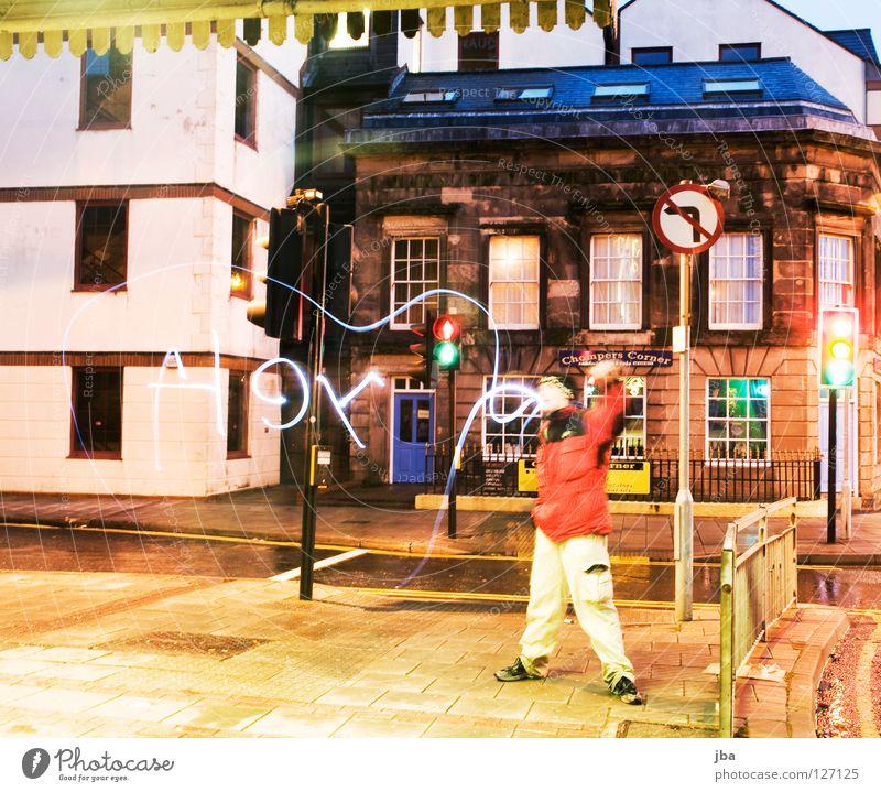 Liverpool reloaded Langzeitbelichtung Sprechblase falsch verkehrt Mann Straßenbeleuchtung Mauer Fassade Haus Fenster Morgen satt Farbe Hey Mensch