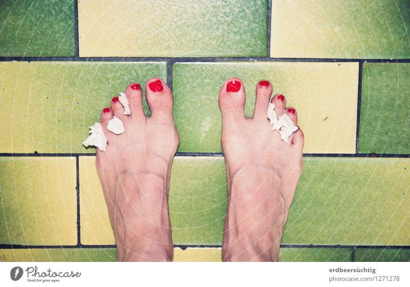 Back to trash alt grün schön Farbe rot feminin Gesundheit Fuß stehen verrückt retro Körperpflege Fliesen u. Kacheln trashig Zehen Originalität