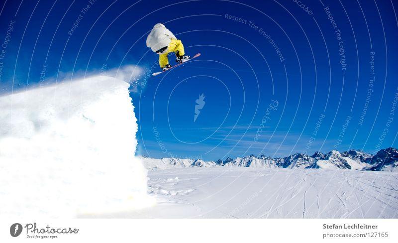 BigAir III schön Freude Winter Berge u. Gebirge Schnee Hintergrundbild Freiheit fliegen springen Freizeit & Hobby groß hoch Schönes Wetter Show Alpen Schneebedeckte Gipfel