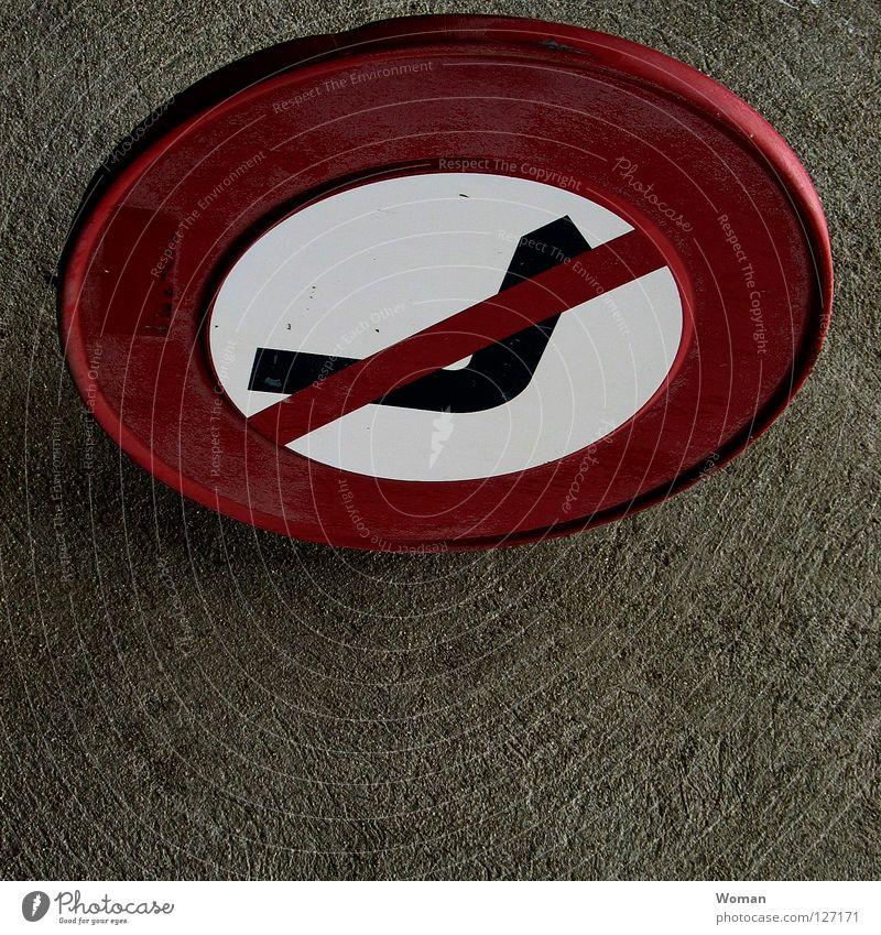 ----> rot Wand grau Schilder & Markierungen Fassade Ziel Pfeil Verkehrswege Verbote
