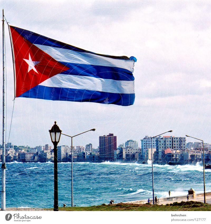cuba libre Wasser Himmel Meer blau Ferien & Urlaub & Reisen Haus Wellen Küste Wind Fahne Sturm Leidenschaft Denkmal Kuba türkis Verkehrswege
