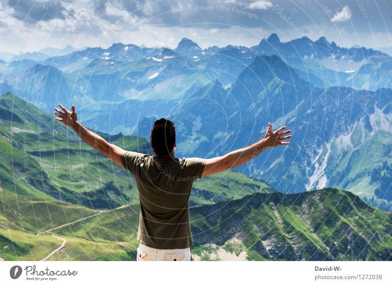 Gipfelstürmer Mensch Himmel Natur Ferien & Urlaub & Reisen Mann schön Sommer Landschaft Wolken Ferne Erwachsene Berge u. Gebirge Glück Freiheit maskulin