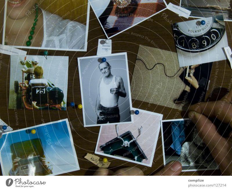 Die Fotos Fotografie Finger Mann Student Holz Siebziger Jahre Stecknadel Reißzwecken Arbeit & Erwerbstätigkeit Rocker Horn Hund Bildung Medien aufhängen pinwand
