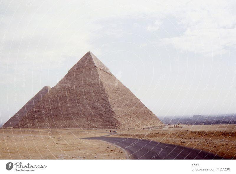 Pharao Landschaft Kunst Wüste Denkmal historisch Wahrzeichen Grab Fähre krumm Ägypten Tempel Pyramide beeindruckend Kunsthandwerk Nil Gizeh