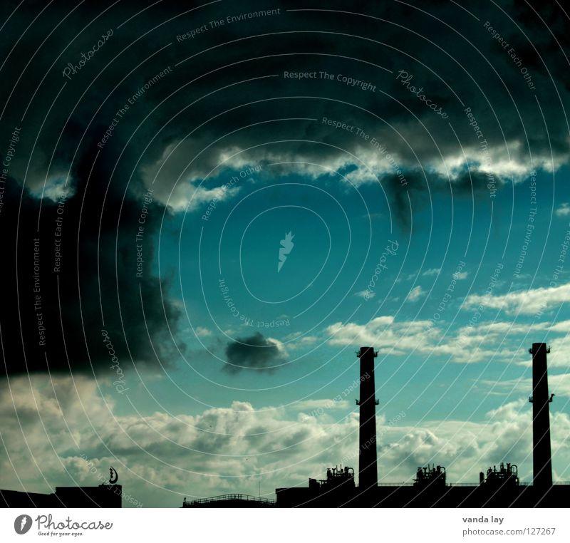 Wolkentürme Himmel blau Wolken dunkel Luft Stimmung dreckig Umwelt Industrie Energiewirtschaft gefährlich bedrohlich Turm Klima Wut türkis