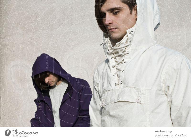 zwillinge deluxe Mann weiß Wand Gefühle Mauer Traurigkeit 2 Trauer Model Jacke Anzug Friseur Putz ernst Haarschnitt gleich