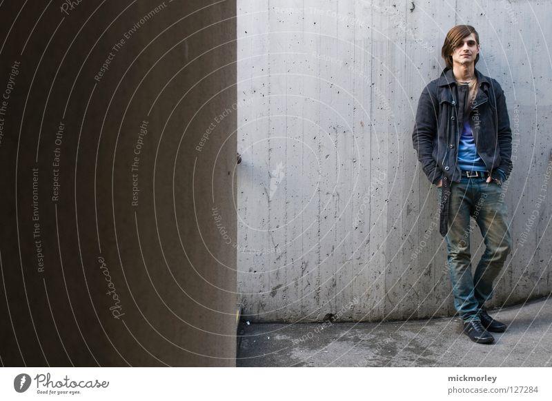twin #2 Mann Farbe Arbeit & Erwerbstätigkeit Wand Gefühle Haare & Frisuren maskulin Coolness Industriefotografie Kultur Student Beruf Vergangenheit Diskjockey