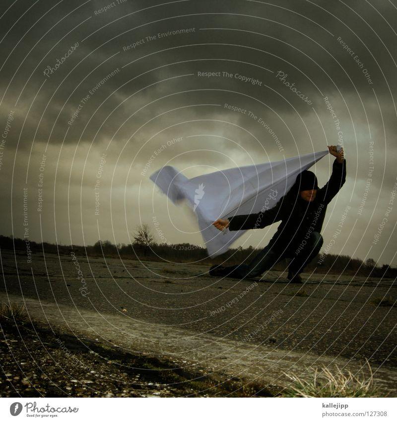 immer wenn es regnet muss ich an dich denken... Mensch Mann weiß Wolken Einsamkeit Landschaft Luft Regen Feste & Feiern Wetter Wind Klima Schilder & Markierungen Energiewirtschaft nass Beton