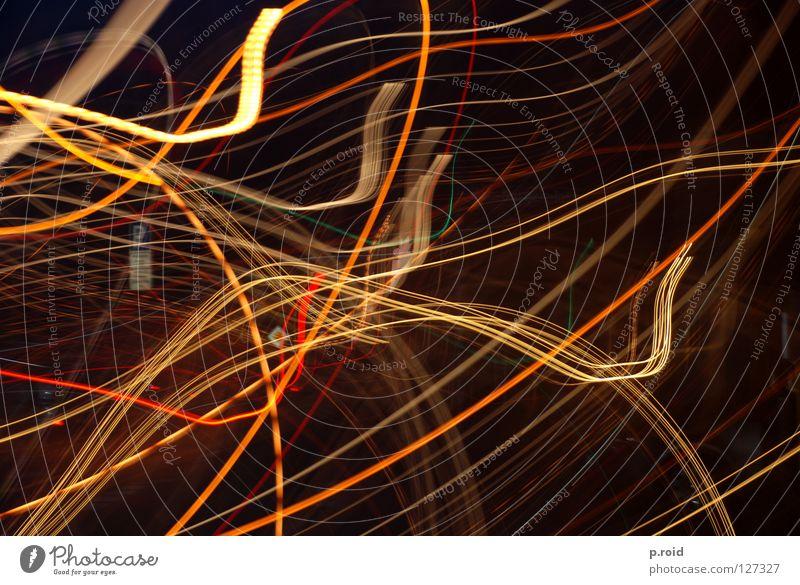 lightspeed champion. Licht dunkel Wellen gelb Neonlicht durcheinander geschnitten Langzeitbelichtung beweglich Geschwindigkeit Verkehrswege Schatten Kurve wavy