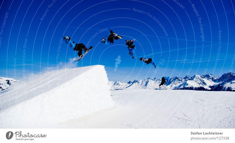 BigAir V schön Freude Winter Berge u. Gebirge Hintergrundbild Freiheit fliegen springen Freizeit & Hobby groß hoch Show Alpen Schneebedeckte Gipfel Risiko Panorama (Bildformat)