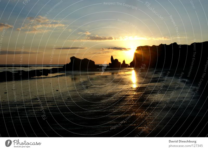 Lieblingsfoto vom Lieblingsstrand Wasser Himmel Sonne Meer blau Sommer Strand Ferien & Urlaub & Reisen schwarz Wolken gelb Berge u. Gebirge Stein Sand hell
