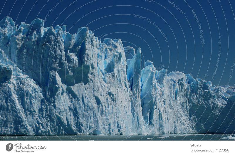 Bellísimo coloso Gletscher Wellen Gletscherspalte kalt Winter feucht Ewigkeit Wildnis gefährlich Geologie Argentinien Perito Moreno Gletscher