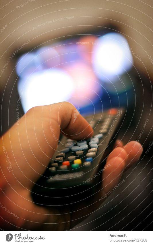 Zapping Hand Technik & Technologie Medien Filmindustrie Information Fernsehen Werbung Kino Wohnzimmer Reihe Langeweile Knöpfe Radio Daumen Entertainment Video