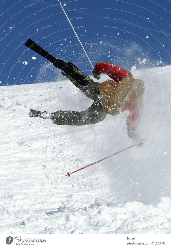 Skisturz Sturz Unfall springen Sport Spielen Schnee Skifahren Skiunfall Skisprung Skiverletzung