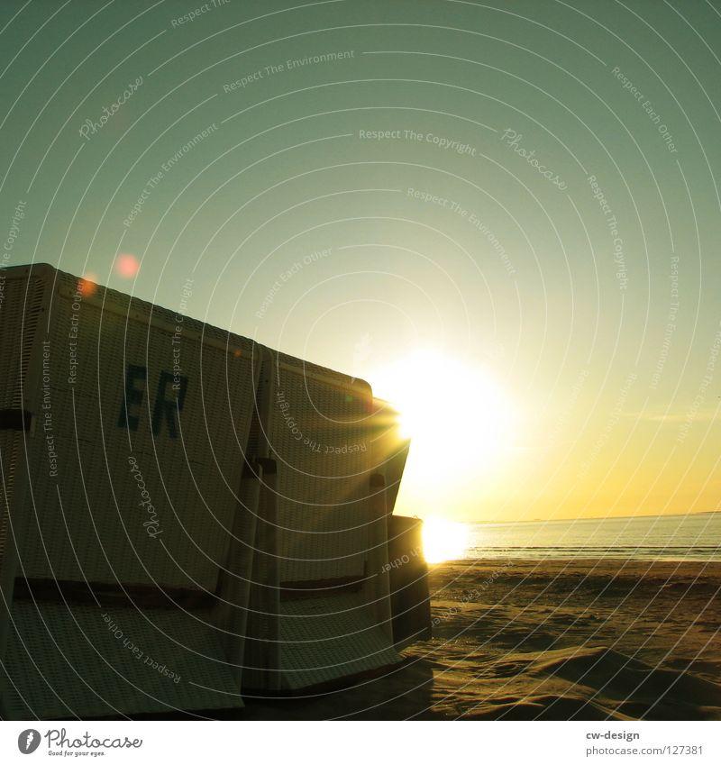 WINTERPAUSE II Wasser Ferien & Urlaub & Reisen schön Sommer Sonne Meer Freude Strand schwarz Erholung Herbst Spielen Küste klein Sand springen