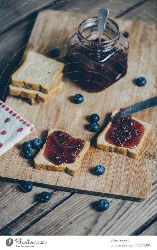 blau Sommer rot schwarz Holz Lebensmittel Frucht wild frisch Ernährung Tisch retro Küche lecker Frühstück Beeren