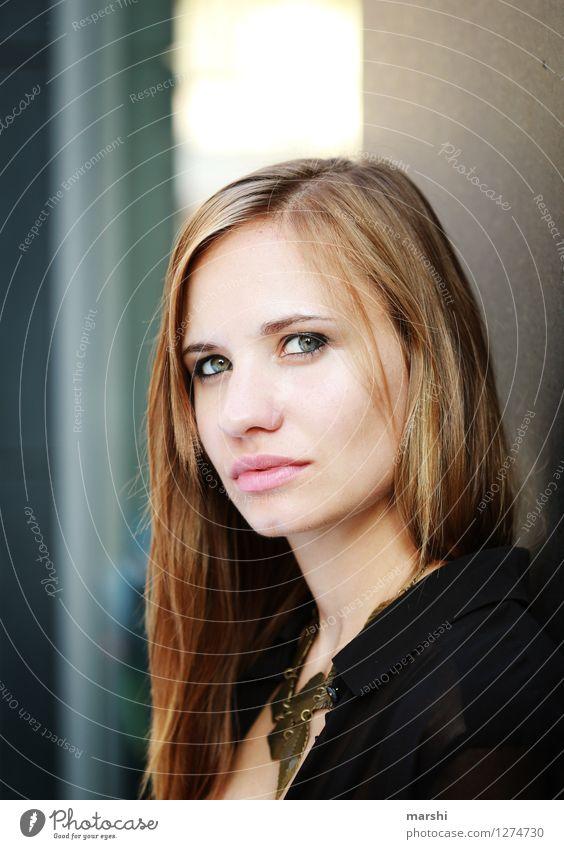 Anna-Lena Lifestyle Stil Mensch feminin Junge Frau Jugendliche Gesicht 1 18-30 Jahre Erwachsene Mode Haare & Frisuren brünett blond Gefühle Stimmung Model