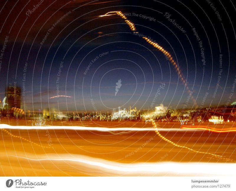 Fahrtlichter London Nacht Stadt Licht Langzeitbelichtung Wetter Light Flash Night PKW cars