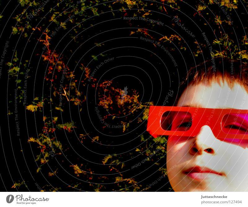They call him Mr. Cool Kind rot Freude Gesicht Junge lustig rosa Erfolg Fröhlichkeit Coolness Brille Sonnenbrille frech Witz rosarote Brille