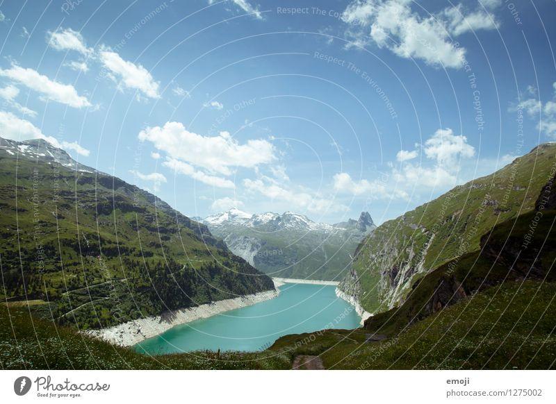 See Umwelt Natur Landschaft Sommer Schönes Wetter Wiese Alpen Berge u. Gebirge Gipfel natürlich blau grün Stausee gletschersee Schweiz Tourismus Wanderausflug