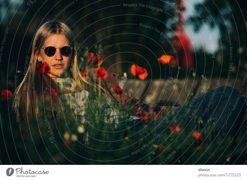 The Flower Lady Mensch feminin Junge Frau Jugendliche Erwachsene Leben 1 18-30 Jahre Umwelt Natur Pflanze Blume Mohn Mohnblüte Accessoire Sonnenbrille