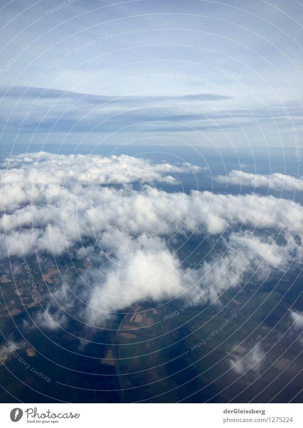 Theoretische Troposphärengrenze Landschaft Luft Himmel Wolken Horizont Klima Wetter Luftverkehr fliegen hoch blau grau weiß oben Höhenflug Farbfoto Luftaufnahme
