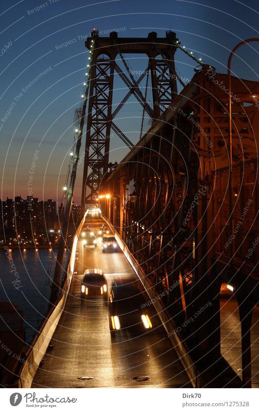 Feierabend in New York Sommer Straße Arbeit & Erwerbstätigkeit leuchten PKW Verkehr Geschwindigkeit groß Schönes Wetter Brücke Unendlichkeit historisch Fluss