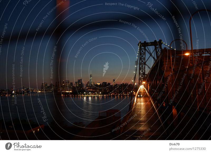 New York hinter Gittern Ferien & Urlaub & Reisen Tourismus Ferne Sightseeing Städtereise Nachthimmel Flussufer East River New York City Brooklyn Manhattan