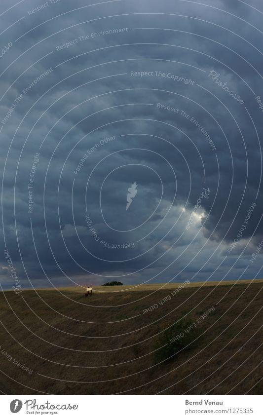 ausblick Umwelt Natur Landschaft Himmel Wolken Gewitterwolken Sommer schlechtes Wetter Unwetter Regen Pflanze Gras Wiese Feld Hügel Stimmung Angst gefährlich