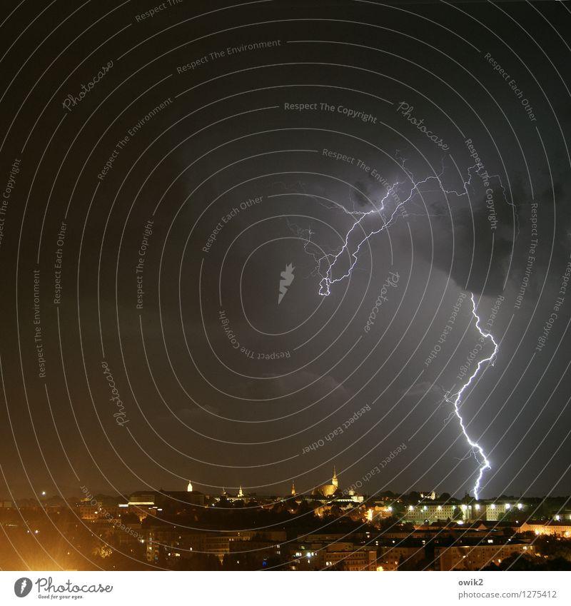 Ballroom Blitz Umwelt Natur Urelemente Luft Klima Wetter Unwetter Gewitter Bautzen Deutschland Lausitz bevölkert Haus Gebäude Stadtsilhouette leuchten