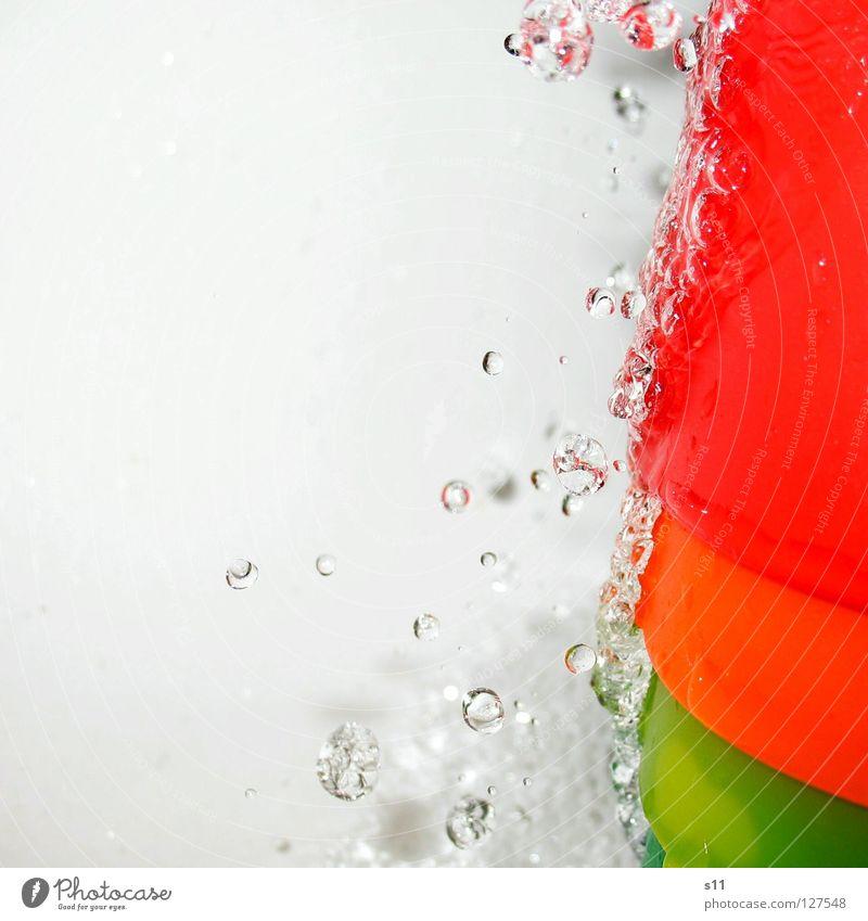 RainbowWater III Farbe Wasser Freude kalt Wassertropfen nass Reinigen Tropfen Bad Klarheit rein Erfrischung Durst fließen spritzen Regenbogen