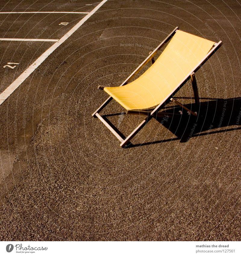 NOCH FREIE PLÄTZE! Stadt Sommer schwarz Einsamkeit gelb kalt Tod Holz Stein Sand Linie Zufriedenheit Wind Wetter Schilder & Markierungen verrückt
