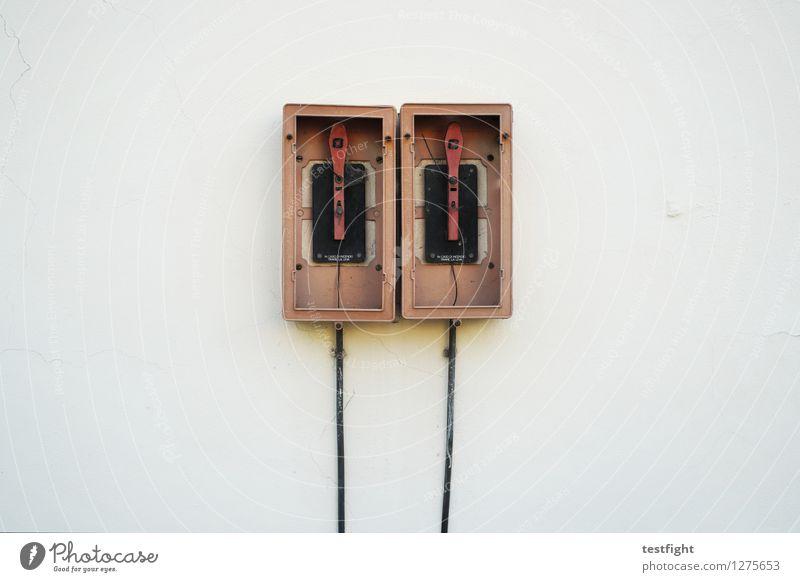 stereo total weiß rot Wand Architektur Gebäude Mauer Fassade Kabel Bauwerk
