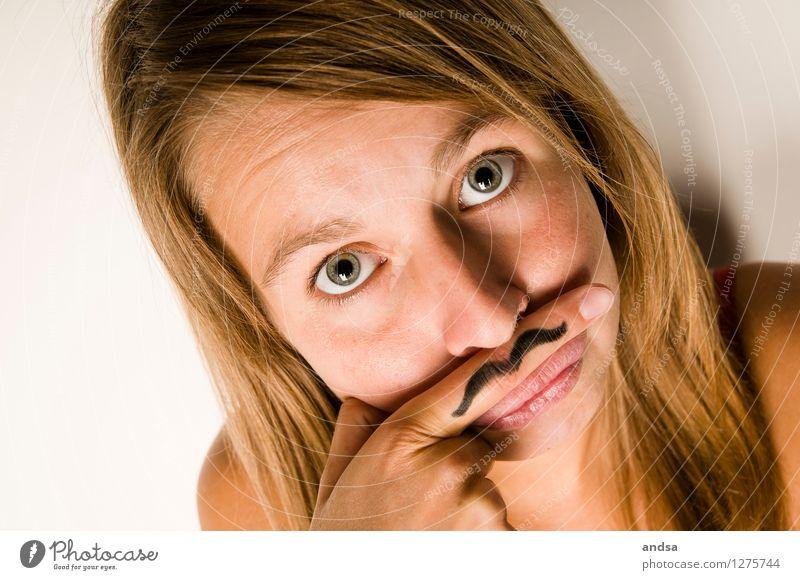 Schnurrbart Mensch feminin Junge Frau Jugendliche Erwachsene 1 18-30 Jahre brünett langhaarig Scheitel berühren Blick Spielen Coolness einfach frech einzigartig