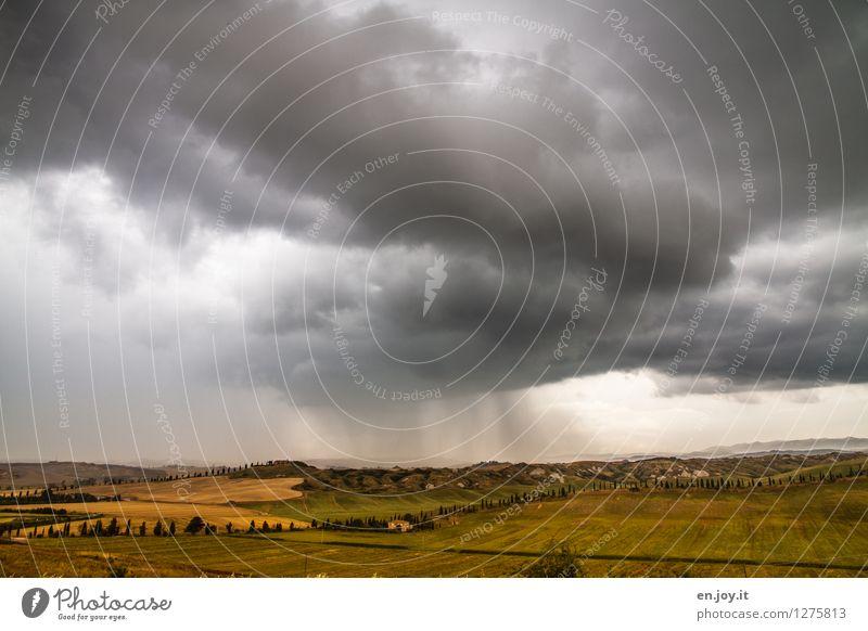 es wird Regen geben Himmel Natur Ferien & Urlaub & Reisen Sommer Landschaft Ferne dunkel Umwelt Horizont Tourismus Feld Ausflug Klima bedrohlich Italien