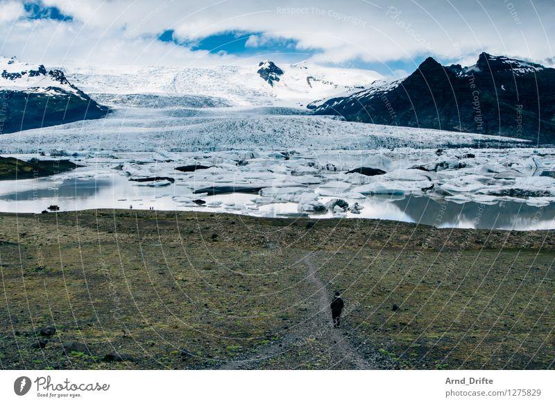 Island Mensch Frau Himmel Natur Ferien & Urlaub & Reisen Wasser Landschaft Wolken Ferne Erwachsene Berge u. Gebirge feminin Schnee See Felsen Eis