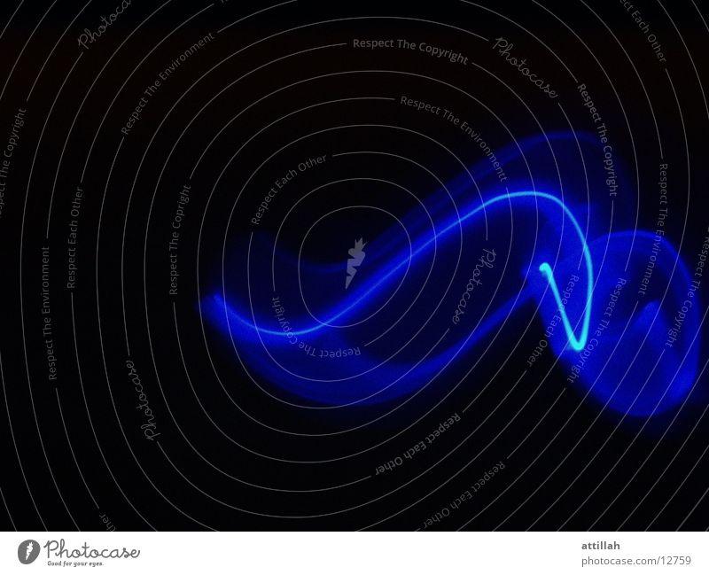 Blauer Flash blau schwarz Kurve