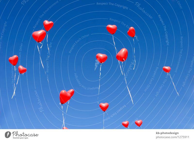 Balloon hearts in the sky Feste & Feiern Valentinstag Muttertag Hochzeit Geburtstag Zeichen Herz fliegen Liebe Gefühle Zusammensein Verliebtheit Romantik