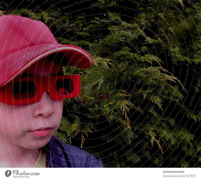 Hey, du, .............ja!!! Du!!! rot Brille Sonnenbrille Porträt April Laune Kind Junge ernst Trauer Baseballmütze Mütze Helium Erfolg Macht Schatten Wetter