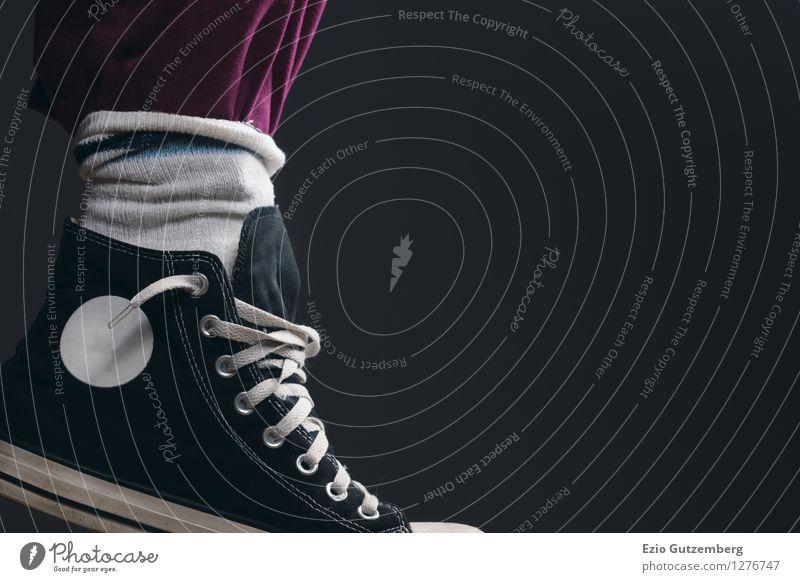 Tribut an die 80er Jahre Mensch grün rot Freude schwarz Stil Beine Lifestyle Zeit Mode Stimmung Fuß springen Design wild elegant