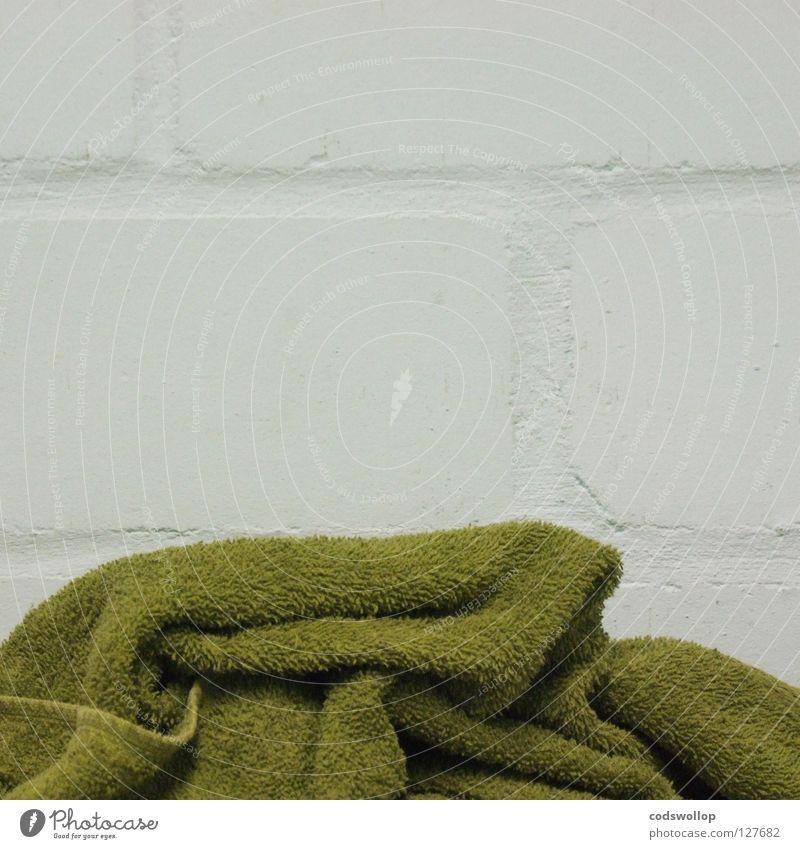 trockenmauer Handtuch Bad Wellness Mauer Spielen towel toilet towelrail Spa terry towelling frottierstoff bathroom Toilette handtuchhalter badestube washroom