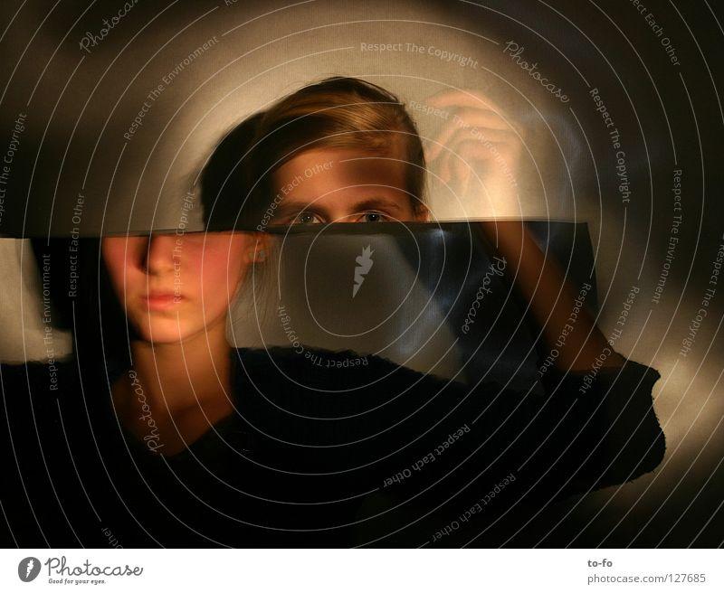 Verschiebung 3 Hand Jugendliche Spielen Bewegung Kopf Zeit abstrakt Konzentration Theaterschauspiel Geister u. Gespenster Mensch Märchen Zauberei u. Magie Fee Verzerrung