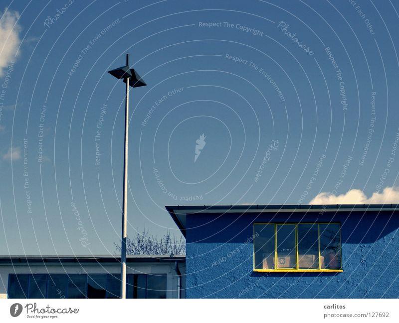 Freidemokratisches schwedisches Möbelhaus ? alt blau gelb Fenster Industrie Renovieren Lager Lagerhaus Fensterrahmen Parteien assoziativ Möbelkaufhaus