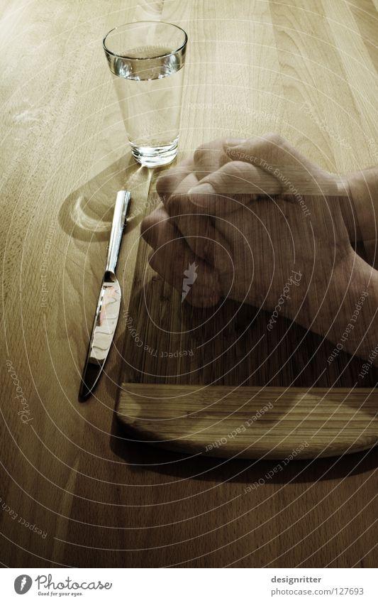 Danke … Hand Wasser Ernährung Holz Denken Glas Lebensmittel Beginn Tisch Getränk trinken Ende Vergänglichkeit Unendlichkeit Falte Vergangenheit