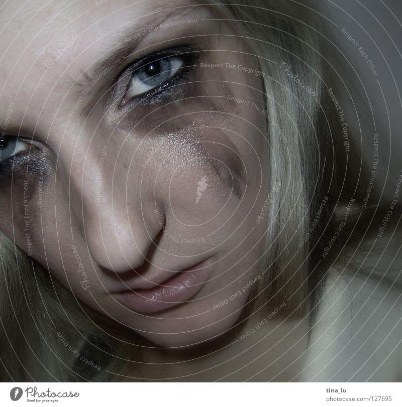 *** Mensch Frau Gesicht Auge Traurigkeit Kraft blond Mund Nase Trauer Wut Schminke weinen Ärger Schmiererei