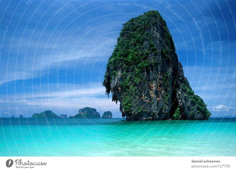 ohne Worte Strand Thailand Meer Horizont Licht zyan Fernweh Ferien & Urlaub & Reisen Asien Wellen ruhig Sommer Himmel Wetter Farbe blau Felsen Wasser