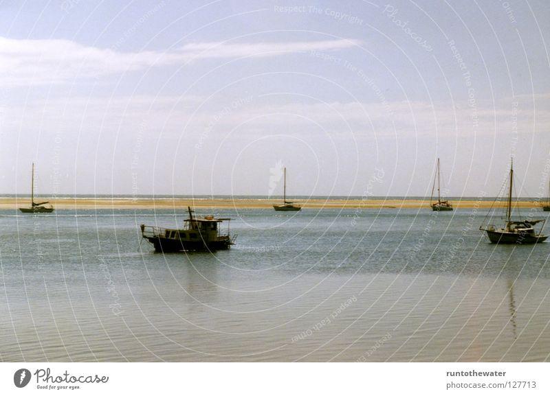 Flaute eben! Himmel Meer Erholung ruhig Ferne Strand Wärme Küste Zeit Wasserfahrzeug Horizont mehrere Wind Pause Unendlichkeit Fernweh