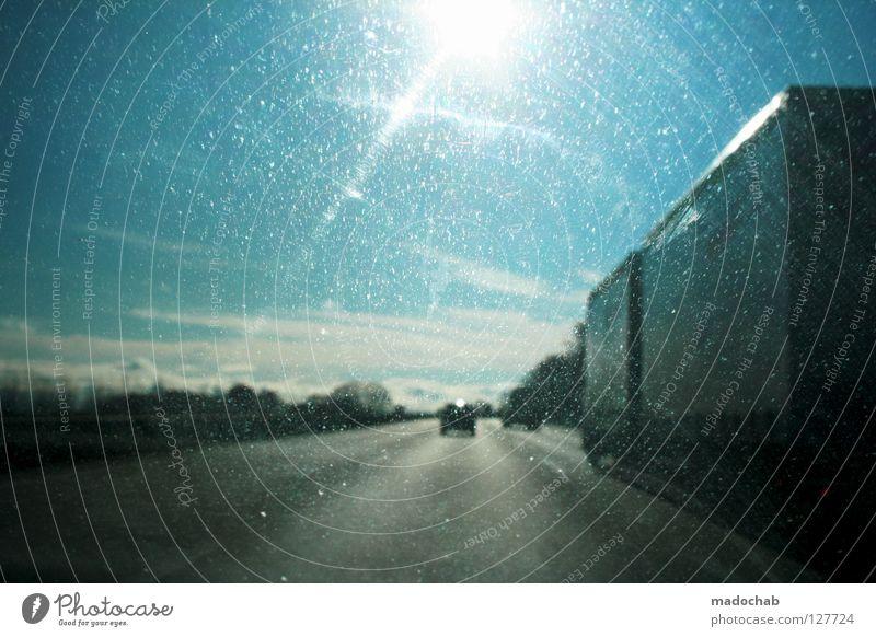ON THE ROAD AGAIN Himmel blau schön Ferien & Urlaub & Reisen Sonne Freude Wolken Gefühle Freiheit Bewegung Wärme Glück Denken PKW dreckig